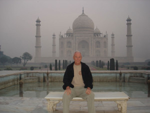 Gerald-Fuller-In-front-of-Taj-Mahal